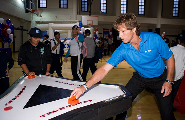 Ron Duguay tries his hand at tri-hockey
