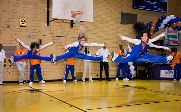 The Knicks City Dancers
