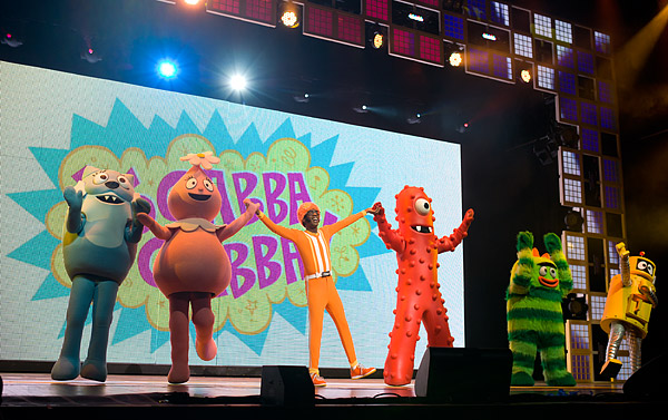 The whole Yo Gabba Gabba gang: Toodee, Foofa, DJ Lance Rock, Muno, Brobee, and Plex!