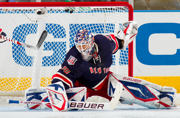 Rangers goalie Henrik Lundqvist makes a save