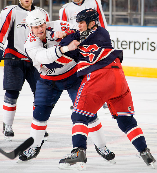 Washington's Matt Hendricks fights New York's Sean Avery