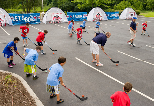 Rangers street hockey