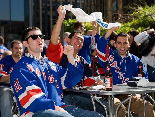 Rangers fans celebrate