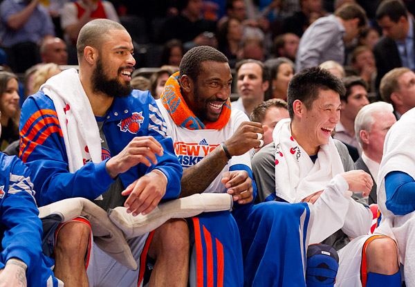 Tyson Chandler, Amar'e Stoudemire and Jeremy Lin share a laugh on the Knicks bench