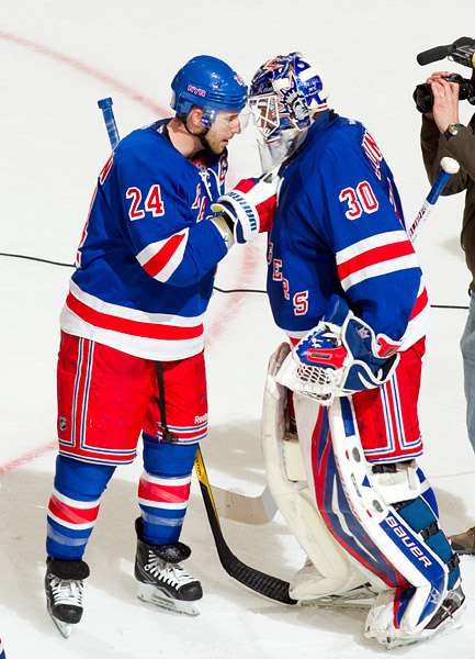 Ryan Callahan congratulates Henrik Lundqvist after the game