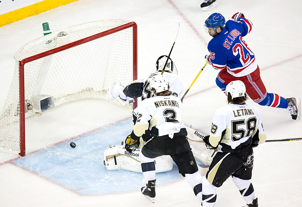 Martin St. Louis Mother's Day playoff goal