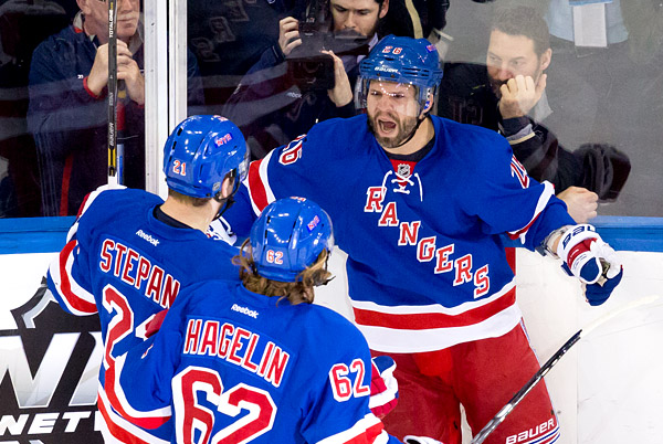 Martin St. Louis celebrates Mother's Day playoff goal with teammates