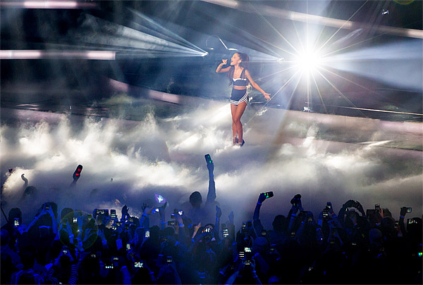 Ariana Grande performs at the 2015 NBA All-Star Game at Madison Square Garden